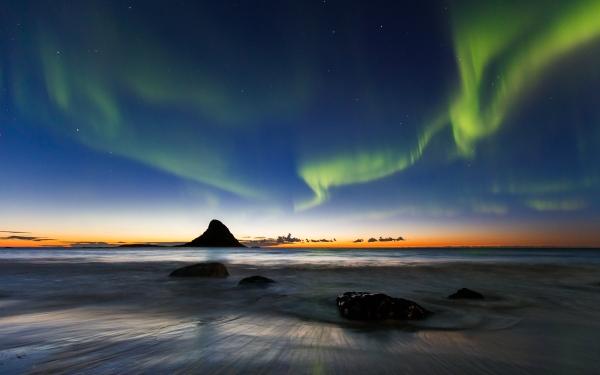 Nordlys. Gull. © Espen Bergersen